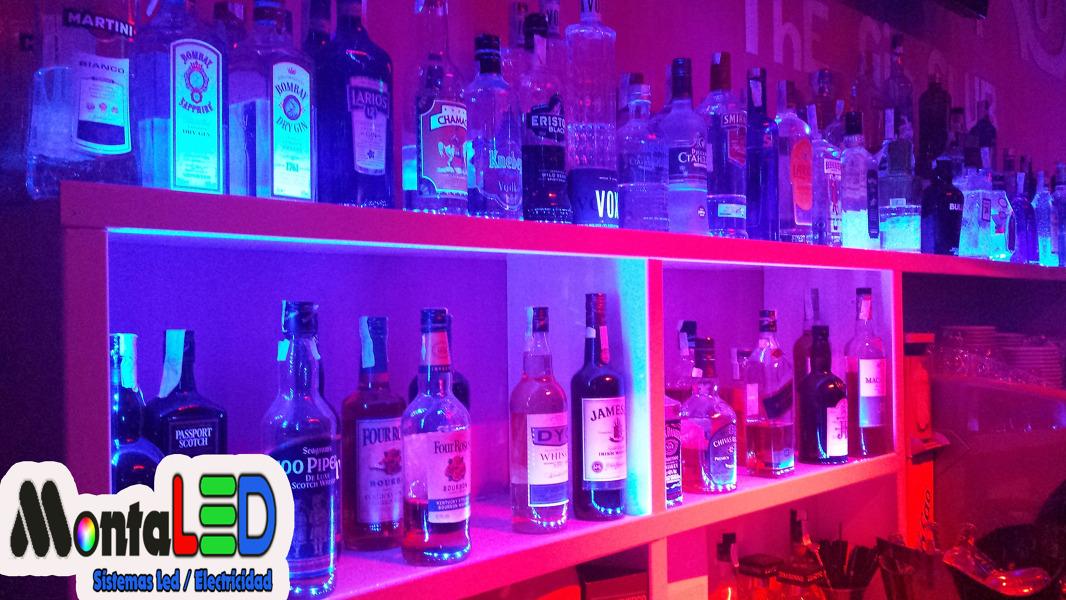 Foto instalaci n led rgb de montaled 439429 habitissimo - Estanterias para bares ...