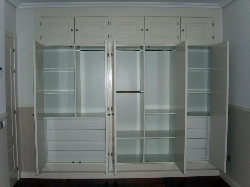 Foto interior armario blanco de bricolage las ventas s l - Armarios vintage barcelona ...