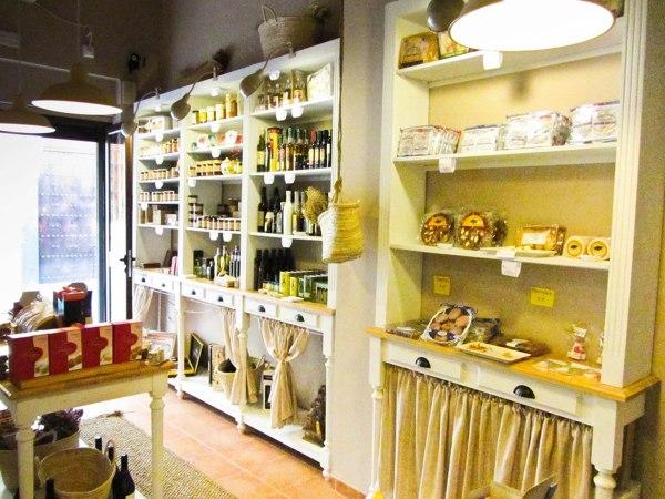 La tienda vintage-gourmet en el centro de Sevilla