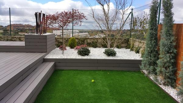 Foto jardin moderno y de bajo mantenimiento de amar tu - Decoracion jardines modernos ...