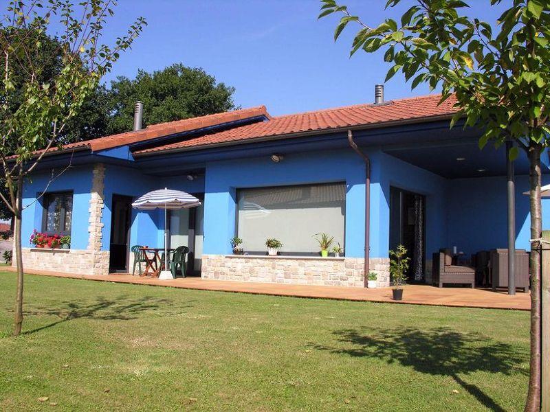 Foto lateral casa azul siero de construcciones benjoal - Construcciones benjoal ...