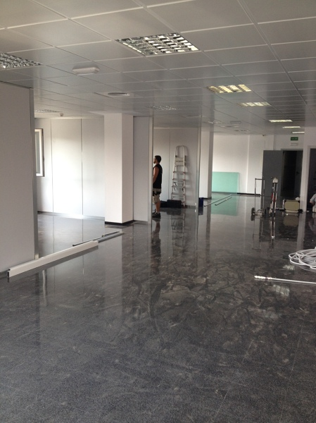 Foto mamparas vidrio templado oficinas valencia de for Oficinas de empleo valencia