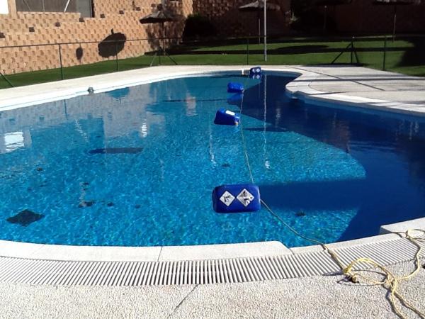 Foto mantenimiento de piscinas de multiservicios siemar for Guia mantenimiento piscinas