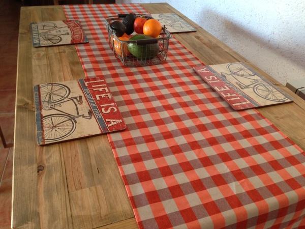 Foto: Mesa de Madera para Comedor de Bulldog Sofa #1683741 - Habitissimo
