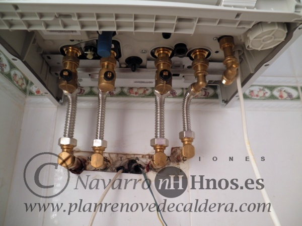 Foto montaje de cambio de caldera saunier duval semia for Precio caldera saunier duval themafast condens f30