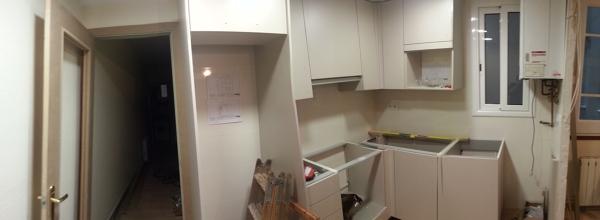 Foto: Montaje Muebles de Cocina de Bosch Associats #824873 ...