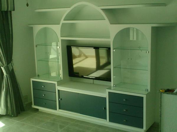 Foto Mueble De Escayola Con Puertas De Cristal Instaladas De - Mueble-escayola