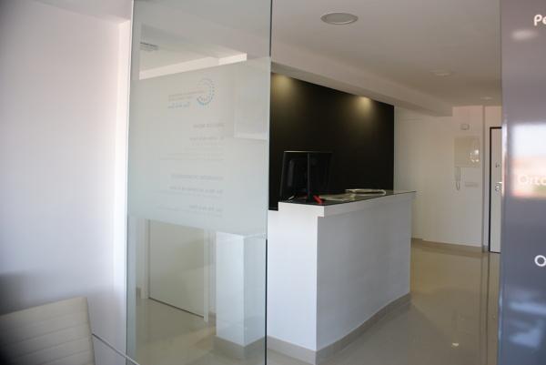 Foto mueble de recepcion de obra de edelso 989001 - Mueble de obra ...