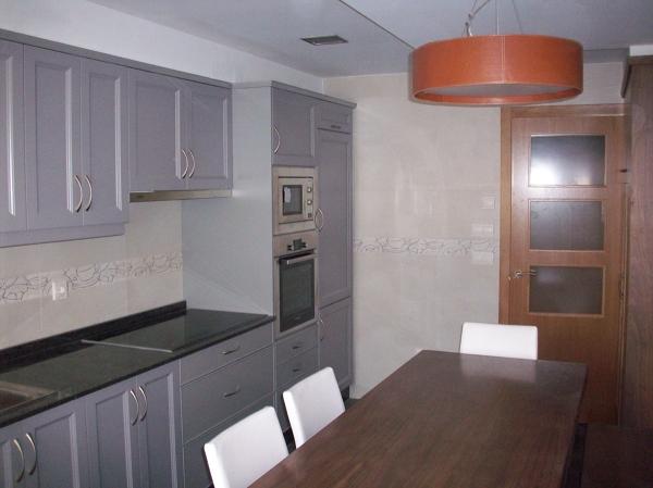 Foto Muebles Cocina Lacados a Mano de Francisco Carneiro Uzal #834971