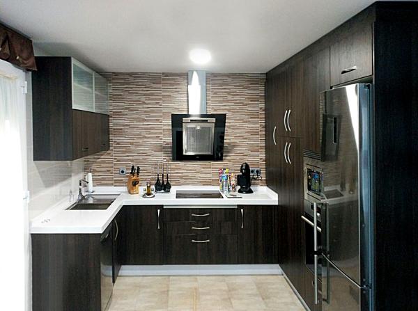 Foto: Muebles de Cocina Color Wengue de Cocinas Potenciano ...