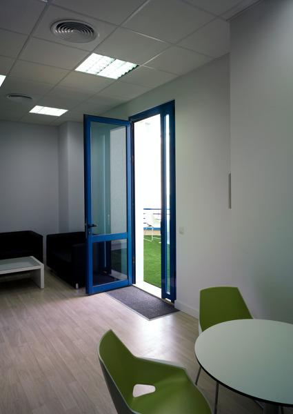 Foto oficinas complejo ideai sevilla de neuttro 137828 for Oficinas sevilla