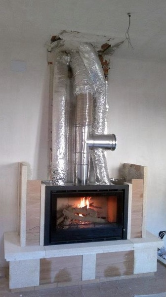 Foto instalaci n de insertable de le a de chimeneastalaya - Estufa de lena para radiadores ...