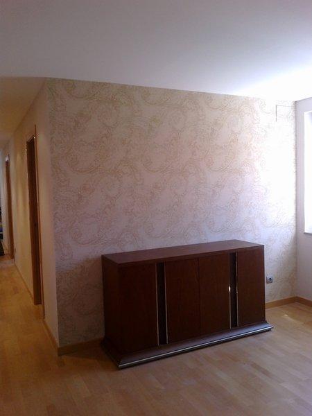 Foto papel pintado pared del comedor de serranos studio for Papel pared comedor