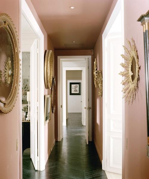 pasillo en rosa palo