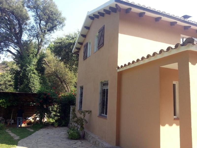 Foto pintura exterior e interior casa de masquepintura for Pintura interior casa