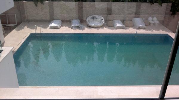Foto piscina con chorros de fetosal s l 566391 for Chorros para piscinas precios