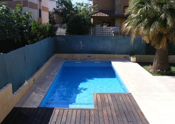 Foto piscina de hormigon recubierto en prfv de policor for Piscinas de hormigon armado