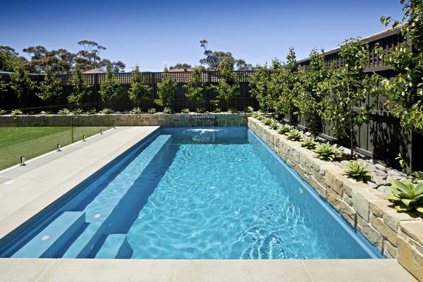 Foto piscina de obra minimalista de miriam mart 883901 - Presupuestos de piscinas de obra ...
