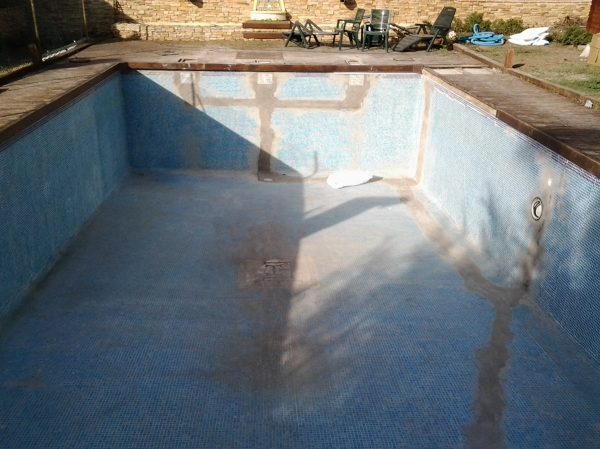 Foto piscina en coslada de manuel 1065321 habitissimo for Piscina coslada