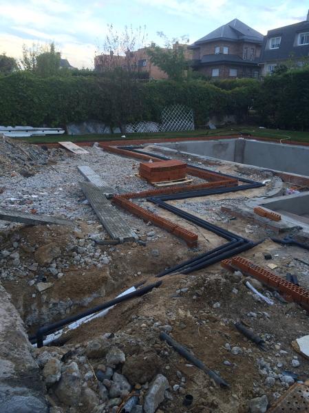 Foto piscina en obra de a g proyectos y reformas 843418 - Presupuestos de piscinas de obra ...