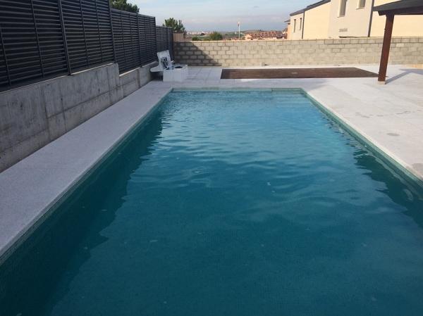 Foto piscina terminada y lista para la instalaci n de for Fotos follando en la piscina