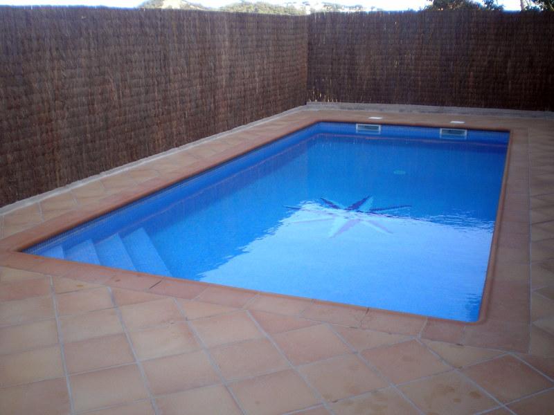 Foto piscina de prosomni slconstrucciones y reformas - Suelo exterior antideslizante ...