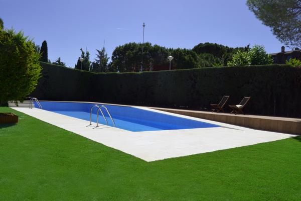 Foto piscina de cort arquitecto 782166 for Presupuesto construccion piscina