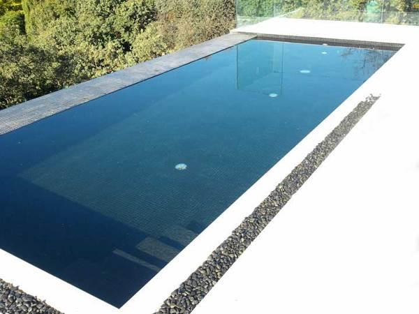 Foto piscinas de hormig n de ecoracasa 556443 habitissimo for Borde piscina hormigon
