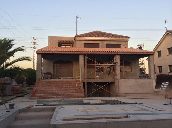 Foto porche en obra de a g proyectos y reformas 843426 - Como construir un porche ...