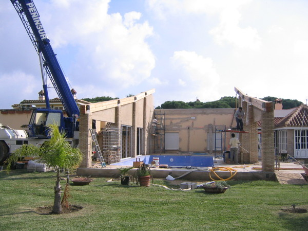 Foto proyecto de piscina cubierta en vivienda unifamiliar for Proyecto de piscina