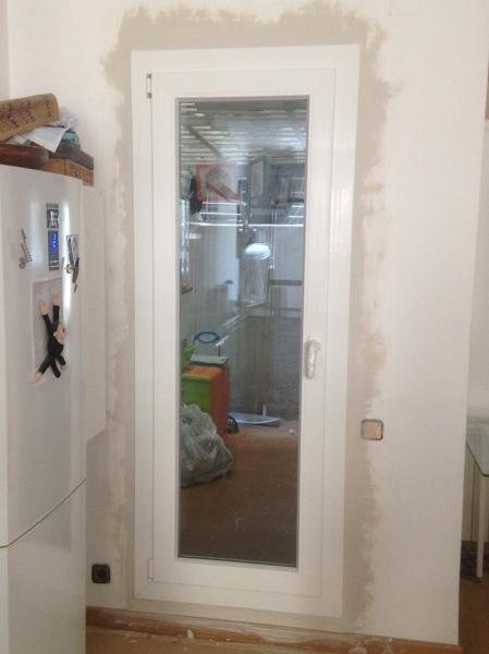 Foto puerta lavadero porta safareig de hermetic line for Puerta lavadero