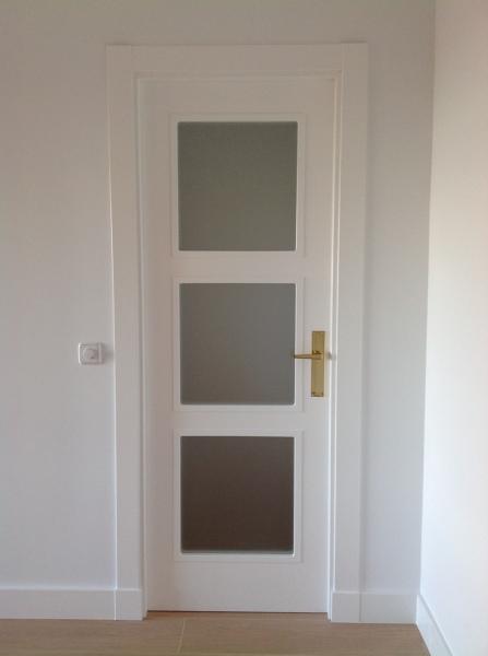 Foto puerta vidriera 3v lacada blanco de bordon 1112264 - Precios de puertas lacadas en blanco ...