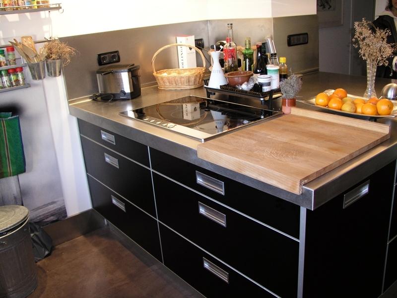Foto reforma cocina en barcelona detalle tiradores for Tiradores muebles cocina