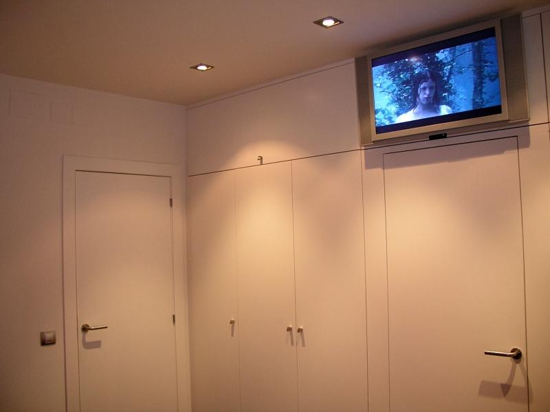 Foto reforma dormitorio en barcelona armarios lacados de - Armarios en barcelona ...