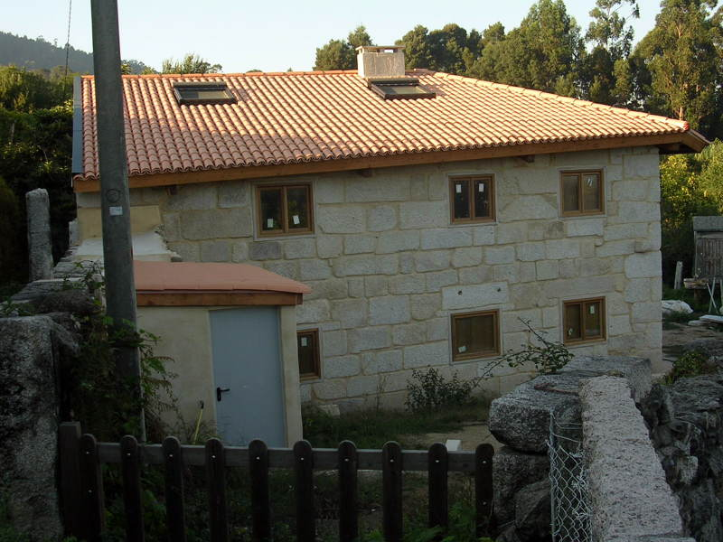 Foto rehabilitaci n de vivienda unifamiliar en porri o - Empresas de construccion en pontevedra ...