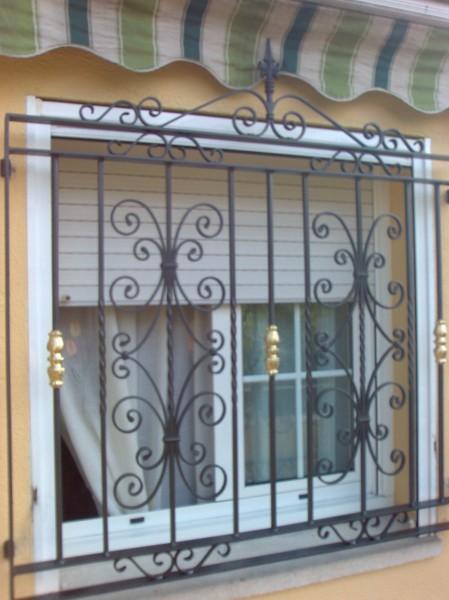 Foto rejas de forja de cerrajeria f domenech scp 926532 - Rejas hierro forjado ...