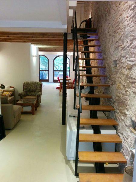 Foto sala escalera de ecolab cannova 1132588 habitissimo for Salas con escaleras