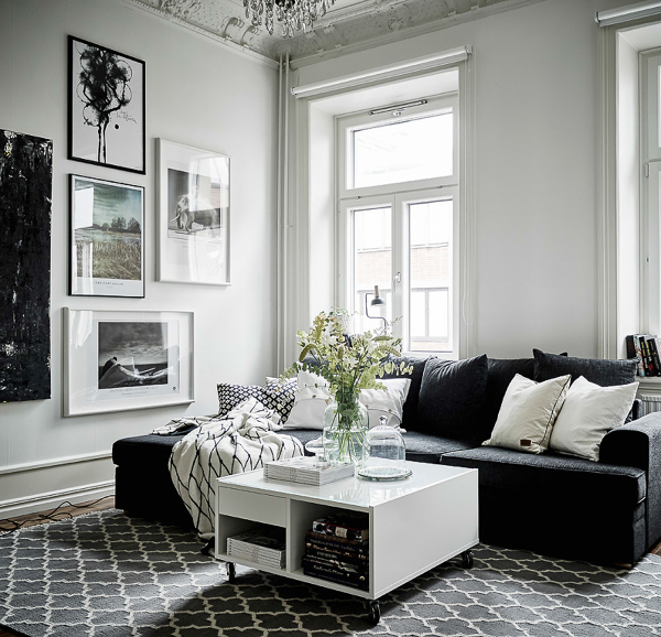 Foto Salon Escandinavo Con Sofa Negro De Miv Interiores 1334224 - Salones-con-sofa-negro