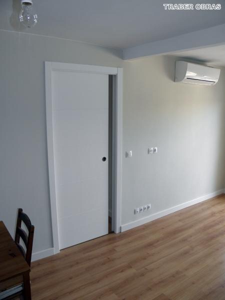 Foto sal n puerta corredera con armaz n cassoneto por - Armazon puerta corredera bricomart ...