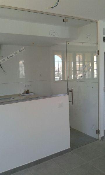 Foto separaci n de cocina comedor con vidrio templado 10 - Vidrio templado cocina ...
