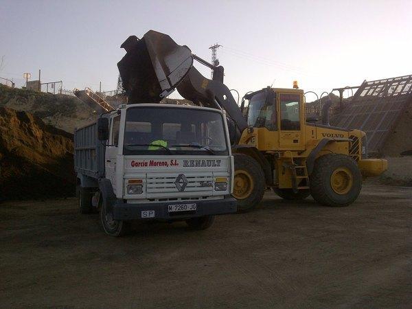 Movimientos de tierras, Excavacion vaciado piscina, limpieza de terrenos, servicio camión grúa