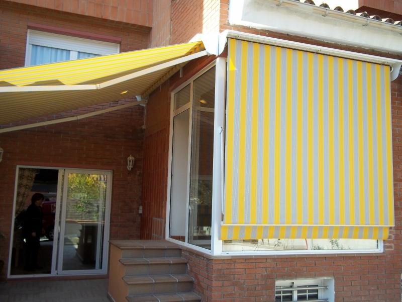 Foto toldo brazo invisible motorizado con tejadillo de for Brazos para toldos precios