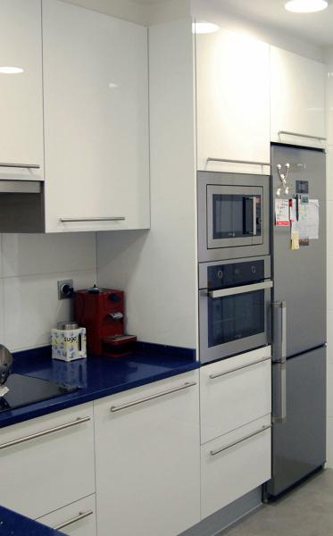 Foto torre horno microondas de sannicola 276741 for Muebles de cocina para microondas