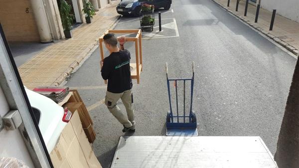 Foto tu empresa de mudanza en valencia de san antonio for Empresas instaladoras de pladur en valencia