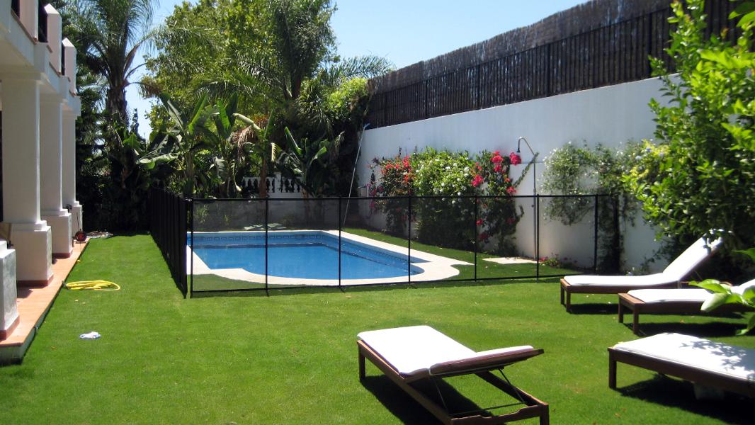 Foto vallas para piscinas desmontables de for Piscines demontables