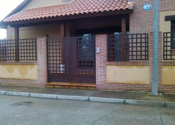 foto verjado y puerta en acero corten de cerrinox soluciones metlicas habitissimo