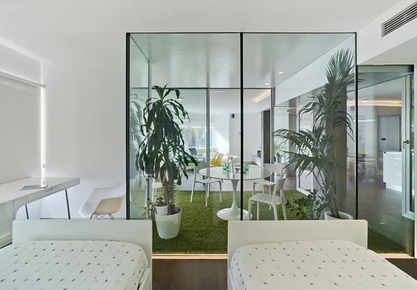 Foto vidrio a patio interior 1318634 habitissimo - Planos de casas con patio interior ...