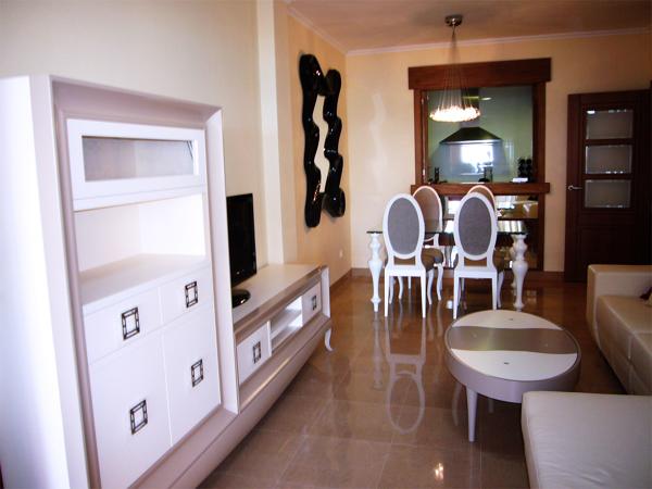 Foto zona sal n mueble televisor con comedor de fondo de - Samarkanda muebles ...