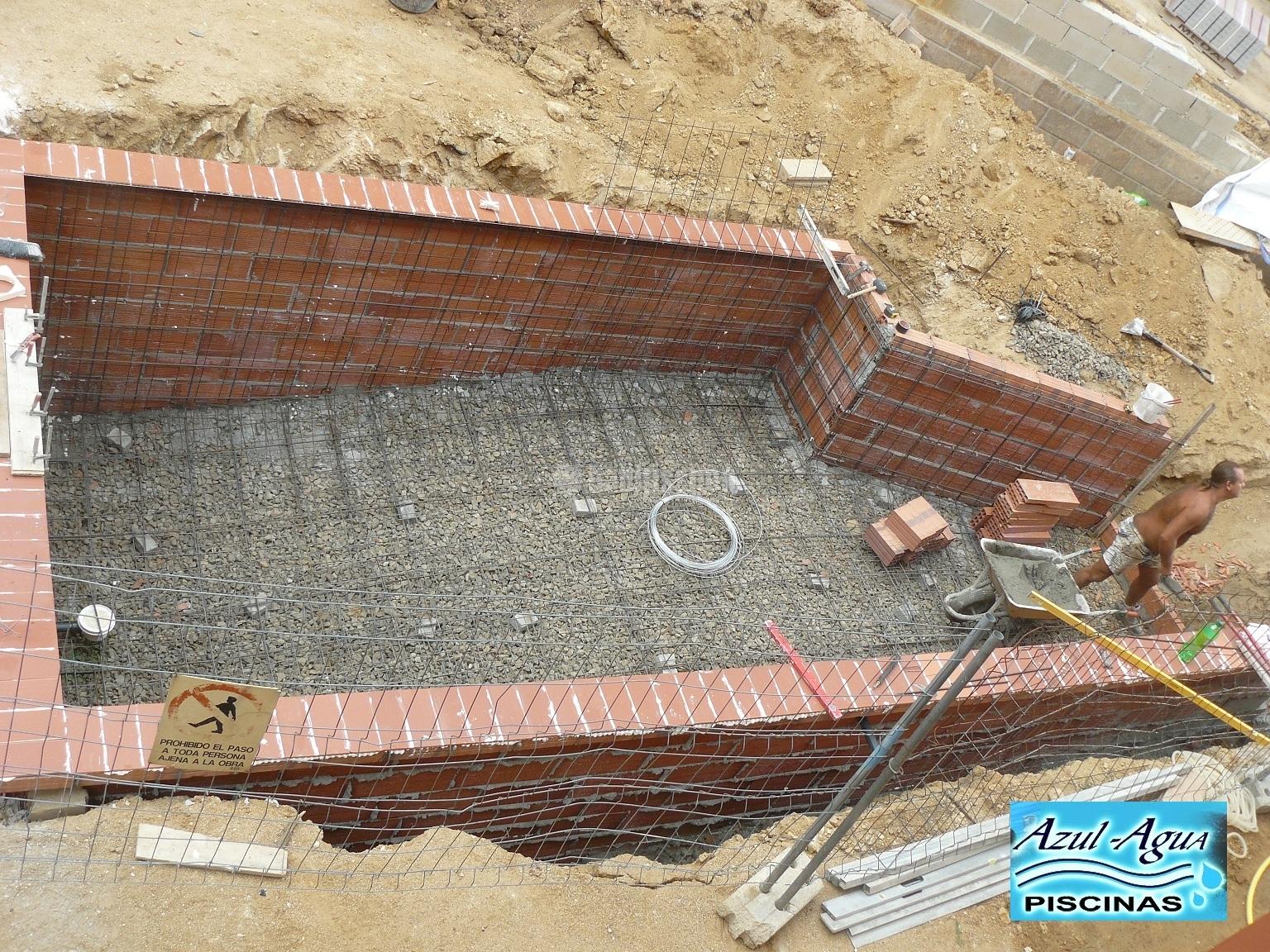 Construcci n piscina en obra gunitada en gerona ideas for Construccion de piscinas de obra