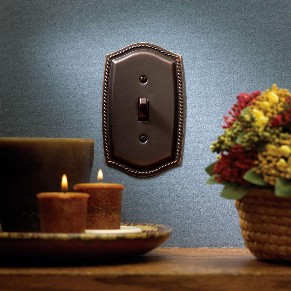 Engalana tus paredes con interruptores y embellecedores - Embellecedores de luz ...